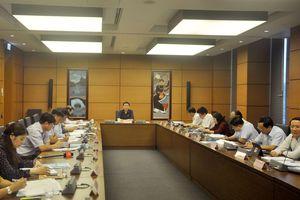 Quốc hội thảo luận ở Tổ về tình hình phát triển kinh tế - xã hội