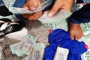 Tài xế taxi trộm hơn 200 triệu đồng trong sân trường mẫu giáo