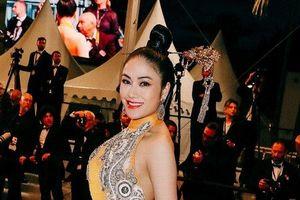 Hoa hậu Tuyết Nga quyến rũ trên thảm đỏ Cannes 2019