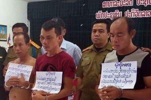 Bắt 3 người Lào vận chuyển hơn 100.000 viên ma túy vào Việt Nam
