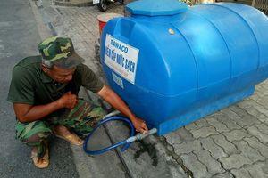 Khốn khổ vì thiếu nước giữa đợt nắng nóng