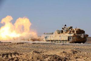 Tròn mắt xem hỏa lực Quân đội Mỹ khạc lửa sáng rực trời xanh