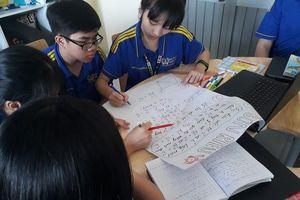 Kỳ lạ ngôi trường 'không cần học thêm' nhưng vẫn đạt điểm 10 tốt nghiệp THPT môn tiếng Anh