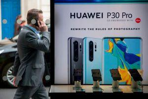 Nhiều nhà mạng Anh hoãn tung smartphone 5G của Huawei