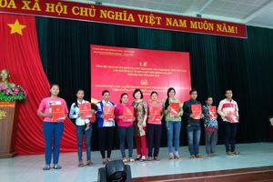 Trao quyết định nhập quốc tịch Việt Nam cho 38 người Lào di cư tự do và kết hôn không giá thú