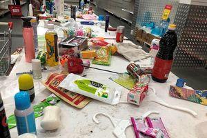 Siêu thị Auchan 'tan hoang' sau thông tin xả hàng rút khỏi Việt Nam
