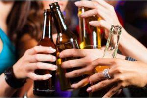 Cấm các hãng bia, rượu quảng cáo, tài trợ: Nên không?