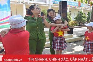 Trang bị kỹ năng phòng vệ, tránh đuối nước cho hơn 600 học sinh Cẩm Xuyên
