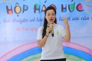 MC Minh Trang kêu gọi cha mẹ dùng sách để kéo trẻ khỏi iPad, ti vi
