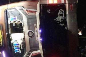 Tai nạn xe khách ở Đồng Nai, 2 mẹ con tử vong, 17 người bị thương