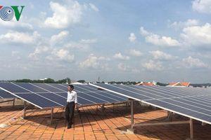 Đầu tư làm điện mặt trời áp mái: Dùng điện được trả thêm tiền