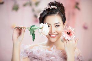 'Gái hai con' Thanh Hương khoe nhan sắc mặn mà với váy hoa yêu kiều