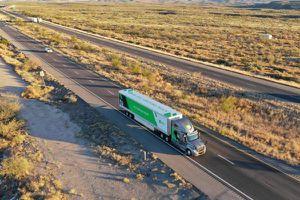 Đến thời xe tải tự lái vận chuyển hàng hóa đường dài