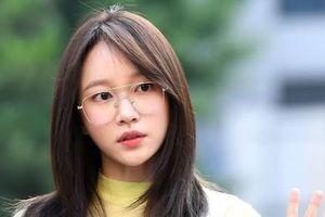 'Nữ hoàng fancam' Hani mặt mộc vẫn nổi bật hơn dàn sao Kpop