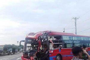 Gia Lai: 2 xe khách va chạm trong đêm, hàng chục người bị thương