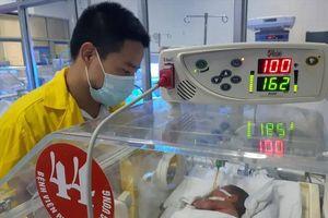 Mẹ ung thư nhường sự sống cho con: Cháu bé ổn định, tiên lượng tốt