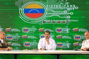 Tổng thống Maduro có kế hoạch phóng vệ tinh siêu nhỏ