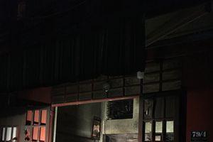 Cháy nhà ở quận Tân Bình, nhiều người dân hoảng sợ