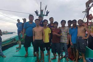 Bị chủ tàu ép đánh bắt ở vùng biển Campuchia, 11 ngư dân nhảy xuống biển