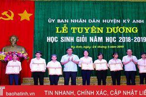 Huyện Kỳ Anh, Can Lộc tuyên dương học sinh giỏi năm học 2018 - 2019