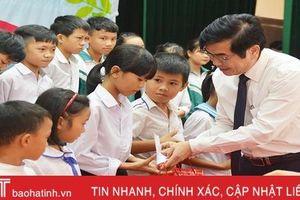 Hà Tĩnh chung tay vì trẻ em nghèo, trẻ em dân tộc thiểu số