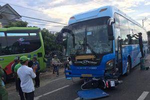 Bình Định: Tai nạn liên hoàn trên quốc lộ 1, xe khách lao vào nhà dân