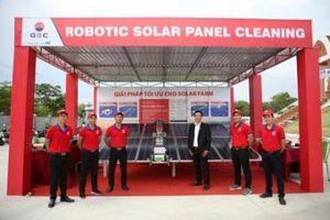 TTC giới thiệu Robot vệ sinh tấm pin năng lượng mặt trời