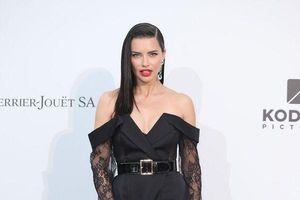Thiên thần nội y Kendall Jenner quyến rũ không ai cưỡng nổi trên thảm đỏ Cannes