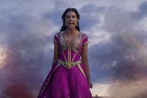 Aladdin gửi tới thông điệp nữ quyền qua bản hit mới 'Speechless' của Naomi Scott