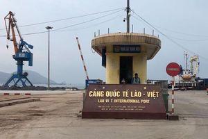 Đìu hiu Cảng Vũng Áng Lào - Việt