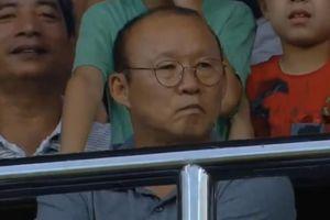 Bùi Tiến Dũng chịu thua cú 'nã đại bác', HLV Park Hang Seo trầm ngâm trên khán đài