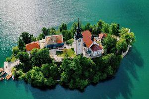 Khám phá Balkan, vùng du lịch xanh thẳm màu cổ tích