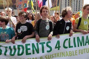 Hàng trăm ngàn HS tại 125 quốc gia đồng loạt rời lớp học thúc giục bảo vệ môi trường