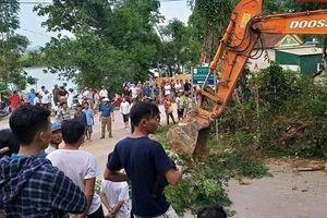 Sập giếng đào ở Nghệ An, 3 người bị vùi lấp