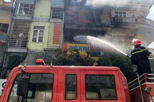 Thanh Hóa: Cháy cửa hàng bán gas, cả phố náo loạn