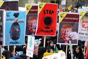Căng thẳng leo thang, Ngoại trưởng Iran chỉ trích ông Trump là 'kẻ khủng bố'