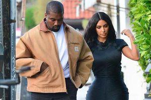 Kim Kardashian khoe thân hình 'đồng hồ cát'