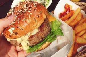 Con béo phì, có nguy cơ bị bệnh tim vì mẹ lười nấu ăn