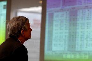 VN-Index trước áp lực quay trở về xu hướng giảm giá: Nhà đầu tư nên làm gì?