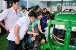 Ra mắt trung tâm cung ứng máy móc nông nghiệp tại Đồng bằng sông Cửu Long
