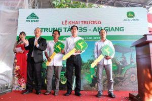 Hai 'ông lớn' về máy nông nghiệp cạnh tranh tại Việt Nam
