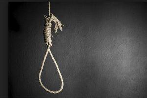 Đôi nam nữ chết trong tư thế treo cổ ở nhà trọ