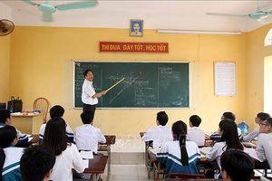 Nhiều giáo viên bất bình với việc đăng ký thi đua và nộp sáng kiến trước
