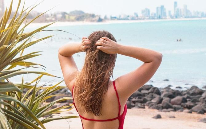 Dùng ngay một trong những loại sản phẩm chống nắng này nàng chẳng lo tóc hư tổn ngày hè nữa đâu