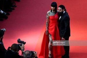 Thảm đỏ Cannes 2019 ngày cuối cùng: Sao vô danh 'cosplay' Michael Jackson đối đầu dàn sao nữ diện trang phục hớ hênh khoe vòng 1 'khủng'