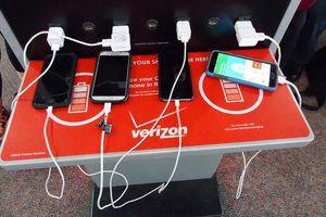 Hãy bỏ ngay thói quen sạc điện thoại tại sân bay nếu bạn không muốn gặp rắc rối