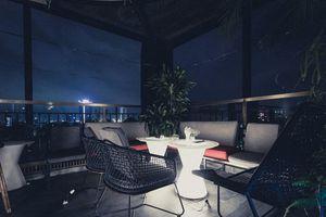 Tận hưởng cuộc sống về đêm tại 'quán bar sân thượng' đẹp nhất nhì Hà Nội