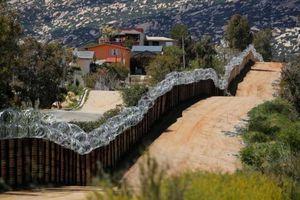 Tòa án Mỹ không ủng hộ dự án xây tường biên giới của ông Trump