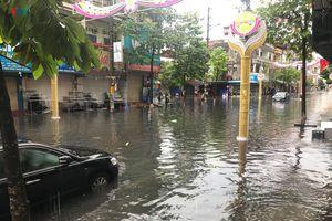 Mưa lũ khiến một người mất tích, nhiều tuyến phố tại Móng Cái bị ngập