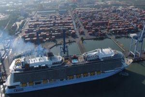 Tàu biển lộng lẫy, xa hoa nhất thế giới đã đến Việt Nam